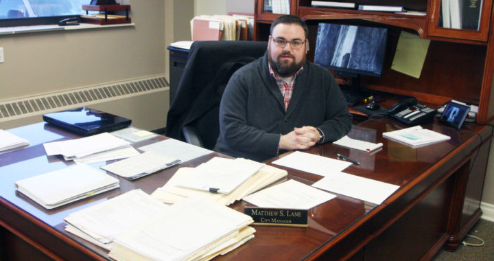 On the job: New city manager begins work at Caro municipal building