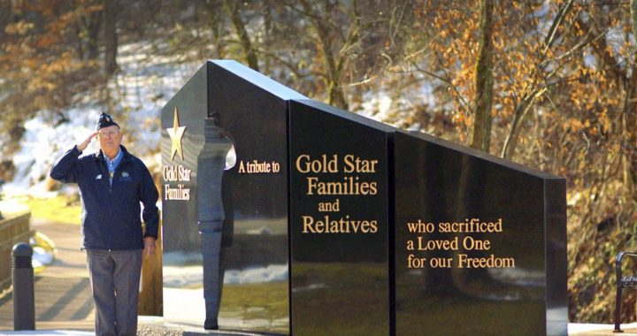 Medal of Honor recipient pays tribute to Gold Star families