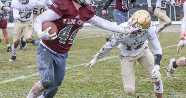 Cass City battles Gladiators: Falls short of state title appearance