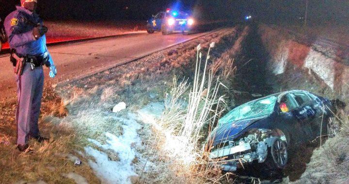 Crash near Fairgrove injures Huron County woman